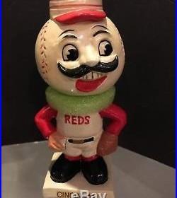 1961-63 Cincinnati Reds Vintage White Base Bobble Bobbing Head Doll Mint