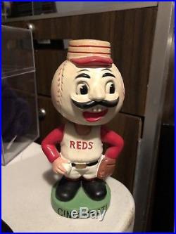 Cincinnati Reds 1960s vintage bobblehead green base original nodder bobble head