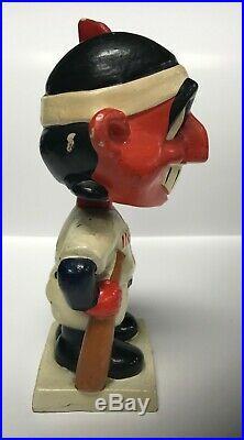 Cleveland INDIANS Vintage Nodder White Base Bobblehead Bobbing Bobble Head