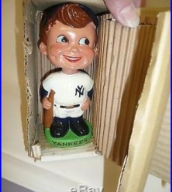 NRFB 1962 NY New York Yankees green Nodder Bobblehead Vintage Baseball Mlb Bobbl