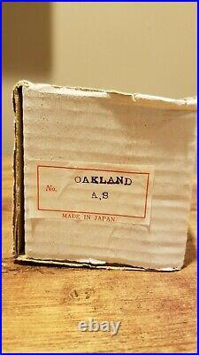 Oakland Athletics A's Vintage Nodder Gold Base Bobblehead Bobbing Bobble Head