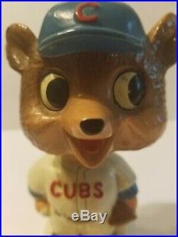 RARE VINTAGE 1960's CHICAGO CUBS MLB BOBBLE HEAD NODDER-White Square Base