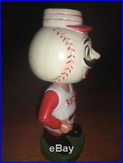 Vintage 1960 Cincinnati Reds Bobble-head-nodder-green-base