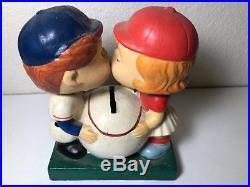 Vintage Minnesota Twins Kissing Bobble Head Baseball Bank Nodder 1962 RARE